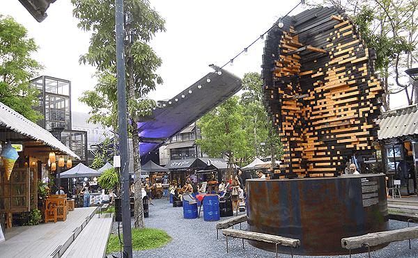バンコクのチャーンチュイのアートオブジェ
