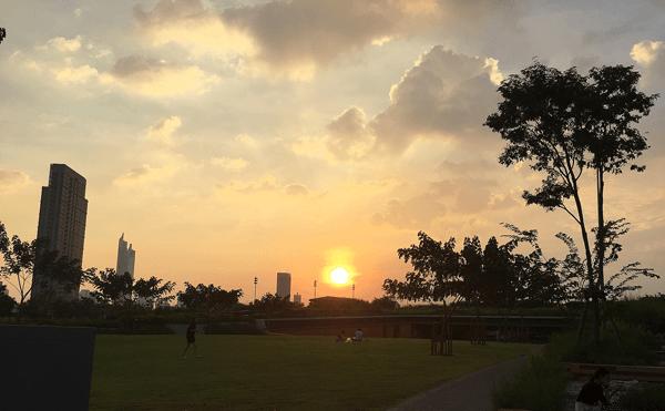 バンコクのチュラロンコン大学100周年公