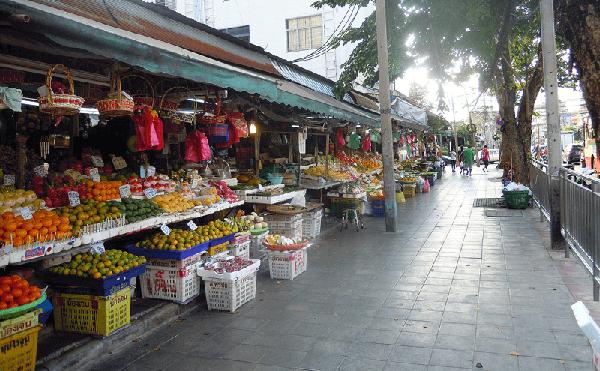 バンコクのフワイクワーン市場