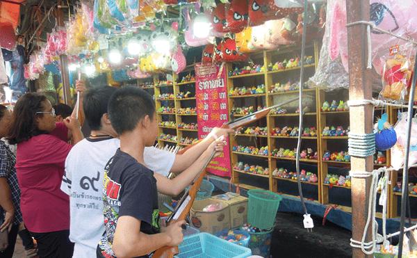 バンコクのミンブリー市場