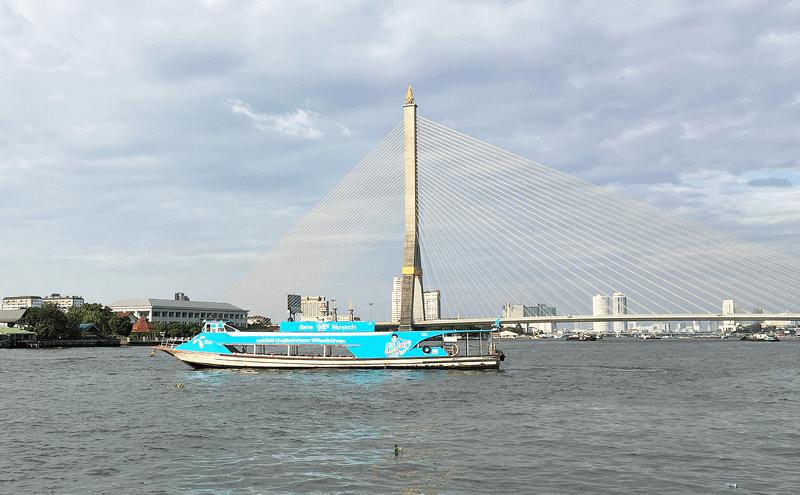 バンコクのラマ8世橋