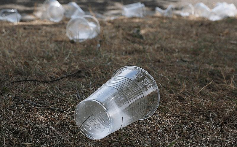 プラスチックのごみ