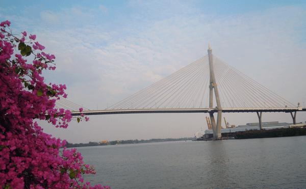 バンコクのプミポン2橋