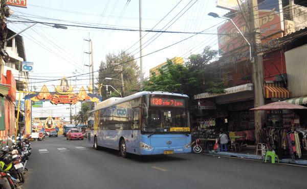 バンコク138番のバス