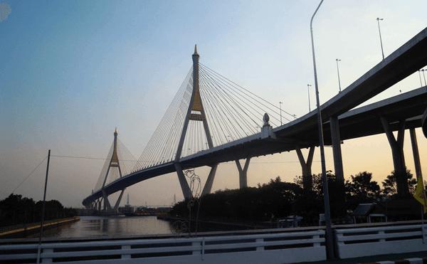 バンコクのプミポン1橋