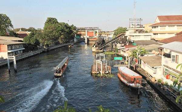 ワットアルンへの運河