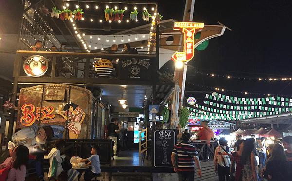 タイ禁酒日のバー