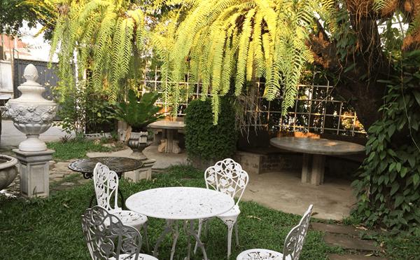 ラオスビエンチャンのカフェ