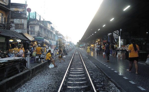 タイ国鉄ウォンウェン・ヤイ駅