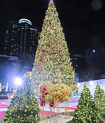 バンコクセントラルワールドのクリスマスツリー