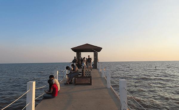 タイランド湾の桟橋