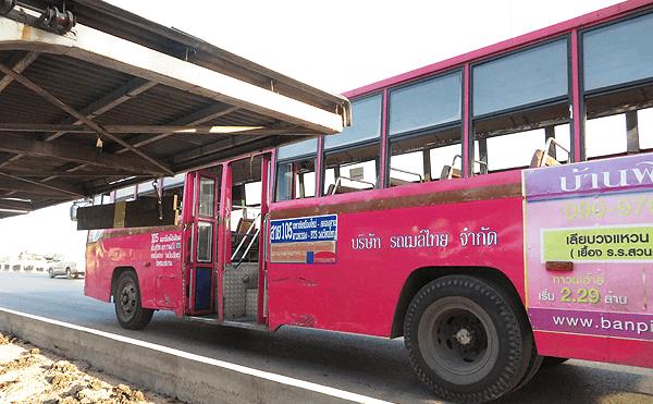 マハチャイの105番バス