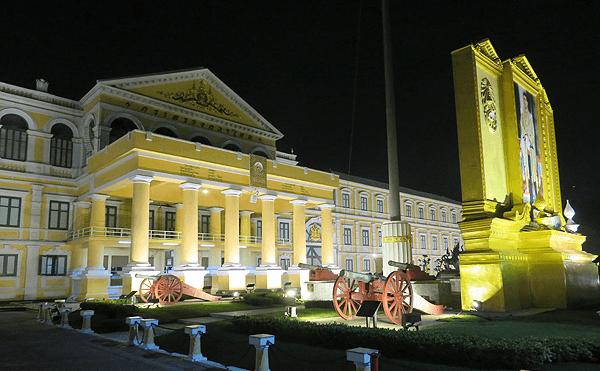 バンコク国防省の大砲園