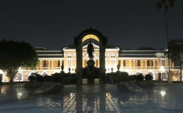 バンコクサランロッム宮殿