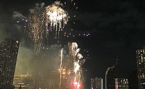 バンコクのカウントダウンの花火2020