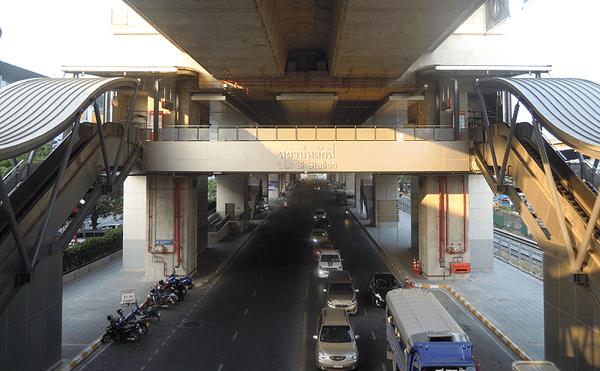 バンコクのラクシー駅