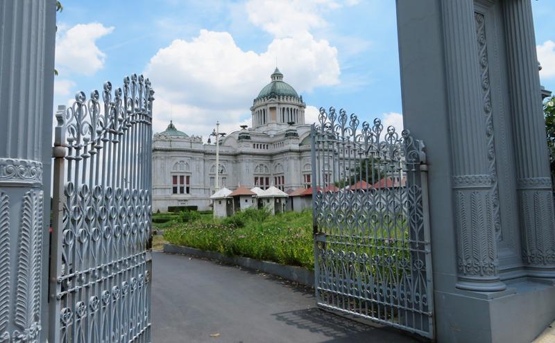 バンコクのアナンタサマーコム殿
