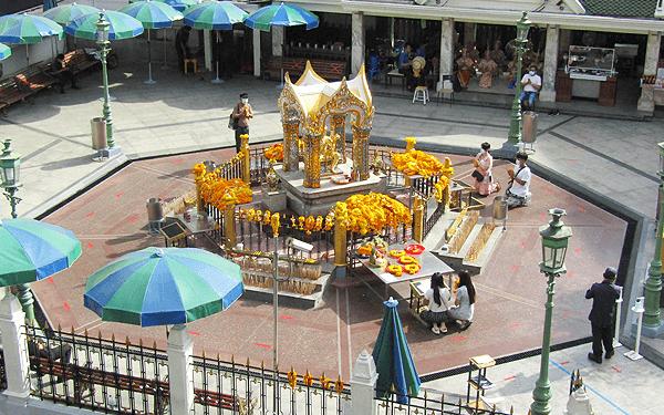 バンコクのエラワン祠