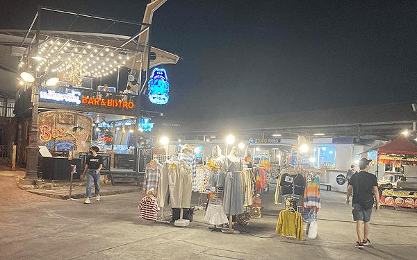 バンコクの鉄道市場ラチャダ