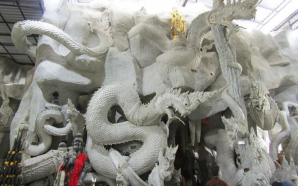 タイのナコンナヨックのワット マニーウォン